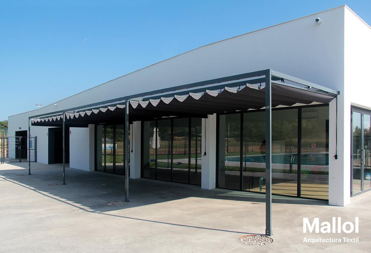 Piscina municipal projectes mallol arquitectura t xtil for Piscina municipal girona